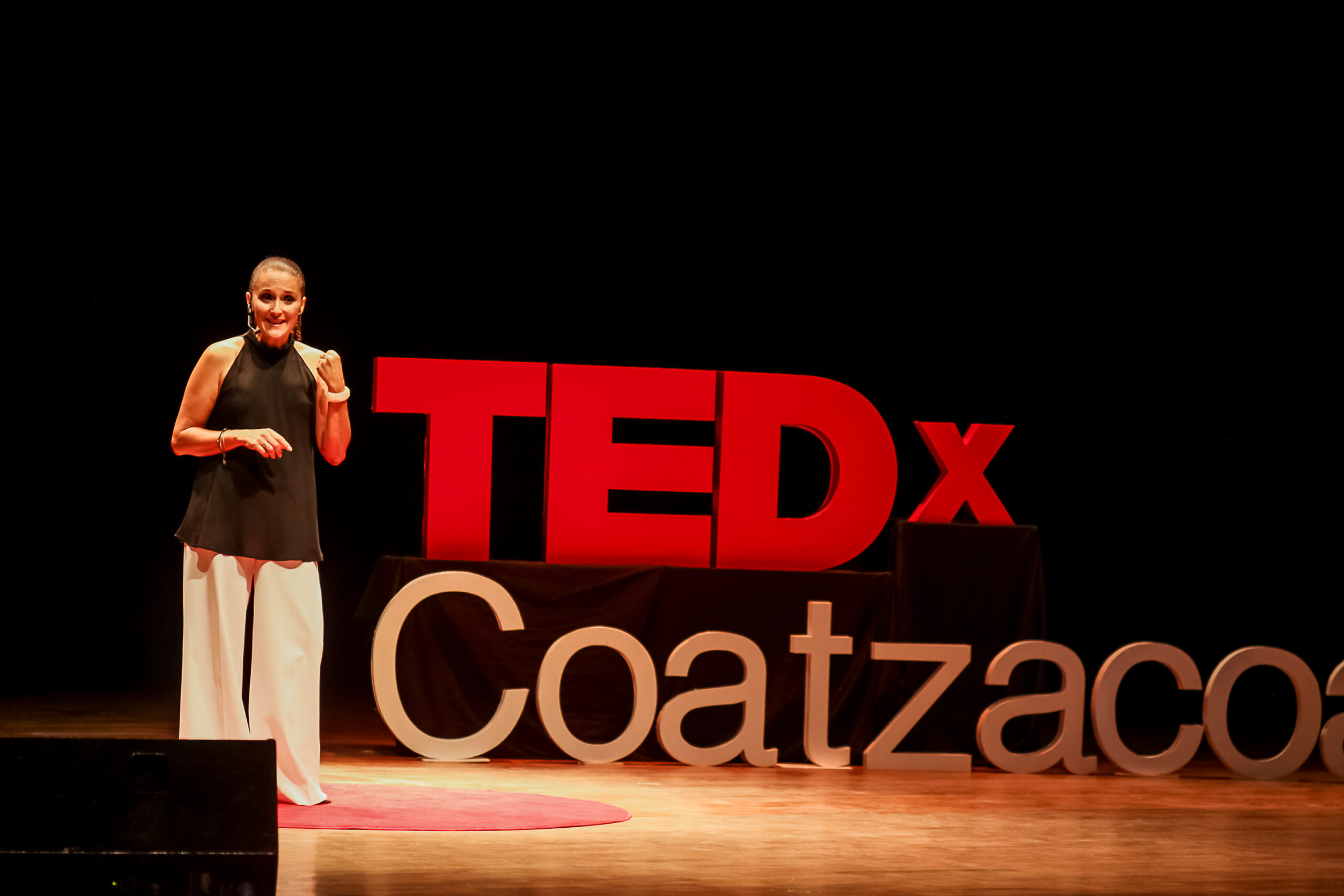 Sandy Mora en TEDx Coatzacoalcos